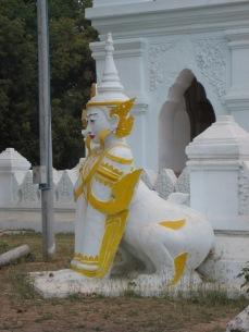 014_lion Kyauktawgyi Pagoda