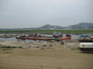 048_parking Arrawaddy River