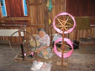 053_spinning silk