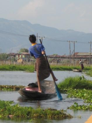 087_foot paddling