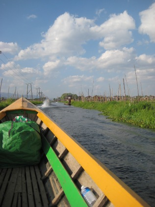 091_canal traffic