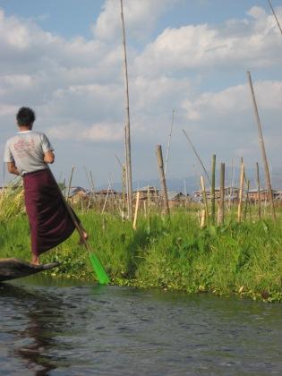 092_foot paddling