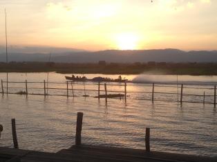 110b_Sunset Paramount Inle Resort
