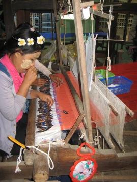 141_silk weavers