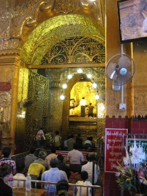 165_Maha Myat Muni Buddha