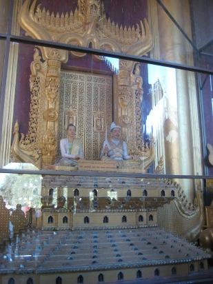 192_Loin throne Royal palace