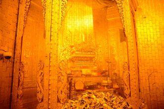 002_Botahtaung Pagoda relic room