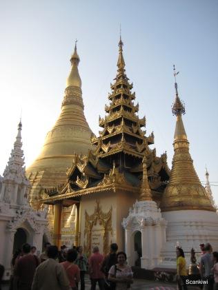036_Shwedagon Pagoda