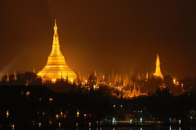 099a_Shwedagon pagoda
