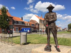 The Kiwi Soldier, Messines town square