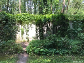 Crematorium Gardens - execution wall