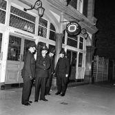 1 Beggar-Pub police